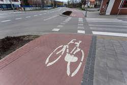 Rowerzysta potrącił rowerzystę. Poważna wywrotka i złamana ręka