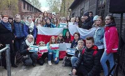 Uczniowie z Olsztyna w 26. Marszu Żywych w Auschwitz