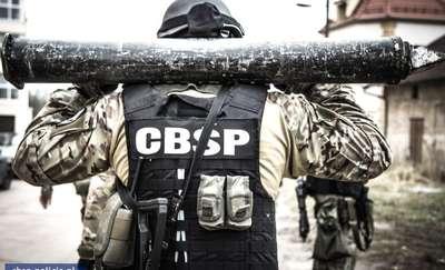 Policyjne specgrupy trenowały na Warmii i Mazurach. Zobacz zdjęcia