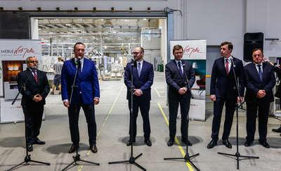 W Żuławskiej Fabryce Mebli rozmawiali o rozwoju gospodarki w regionie