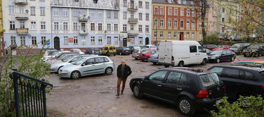 Parking Nowowiejskiego  OLSZTYN - Parking przy ulicy Nowowiejskiego.