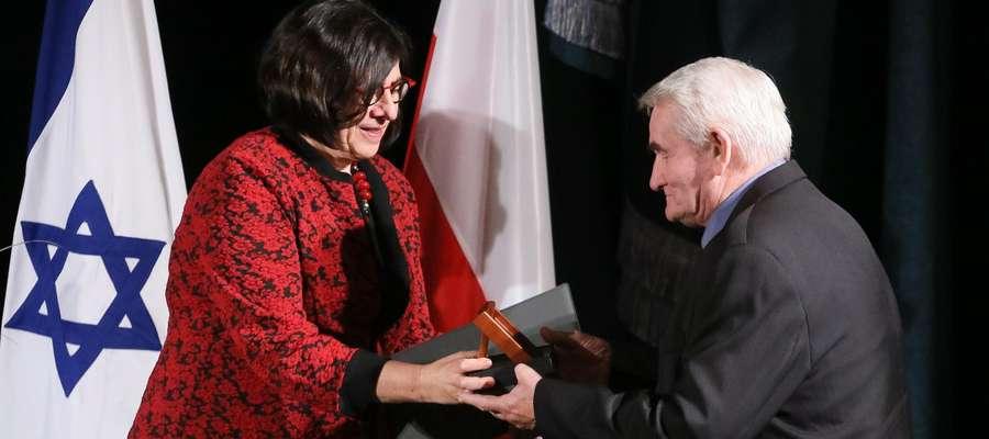Medale Sprawiedliwy Wśród Narodów Świata wręczyła Ambasador Izraela Anna Azari