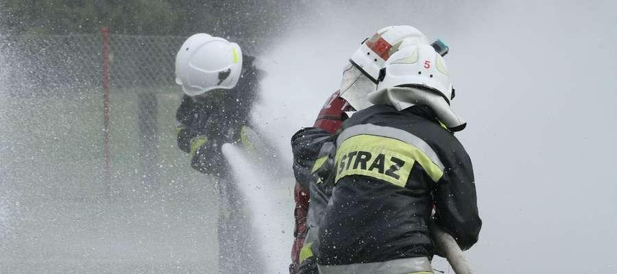 bitwa wodna strażaków w jonkowie
