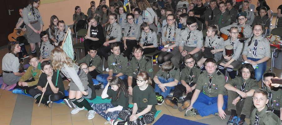 Harcerze w szkole w Bratianie miło spędzali czas