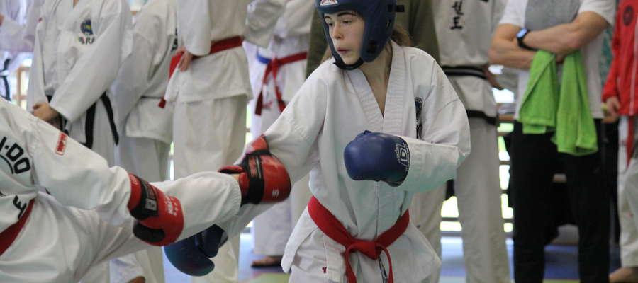 Katarzyna Rutkowska (Bartoszycka Szkoła Taekwondo) szykuje się do startu w mistrzostwach Polski juniorów