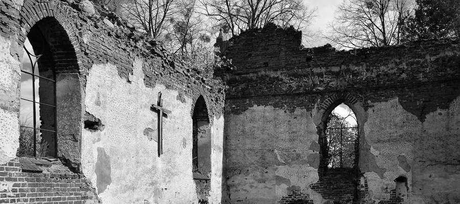 Ruiny kościoła w osetniku są niezwykle malownicze