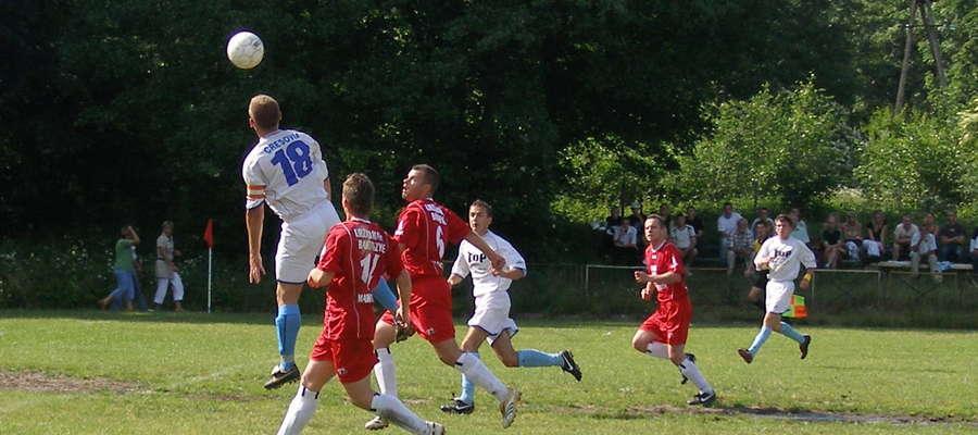 17 czerwca 2007. Mecz na stadionie w Górowie Iławeckim pomiędzy Cresovią i Victorią Bartoszyce zakończył się remisem 2:2
