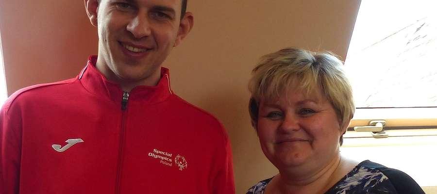 Olimpijczyk Michał Weroński z Moniką Weroniecką, pod której opieką pracuje w Zakładzie Aktywności Zawodowej w Kamionku Wielkim