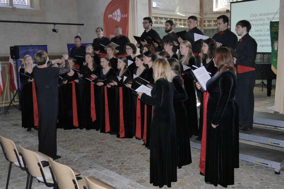 Festiwal chóralny w Barczewie - full image