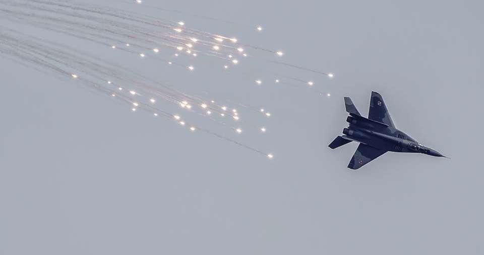 Lotnicza Majówka już w tę sobotę! Zobacz, co nas czeka na niebie Iławy [FILMY-ZAPROSZENIA] - full image