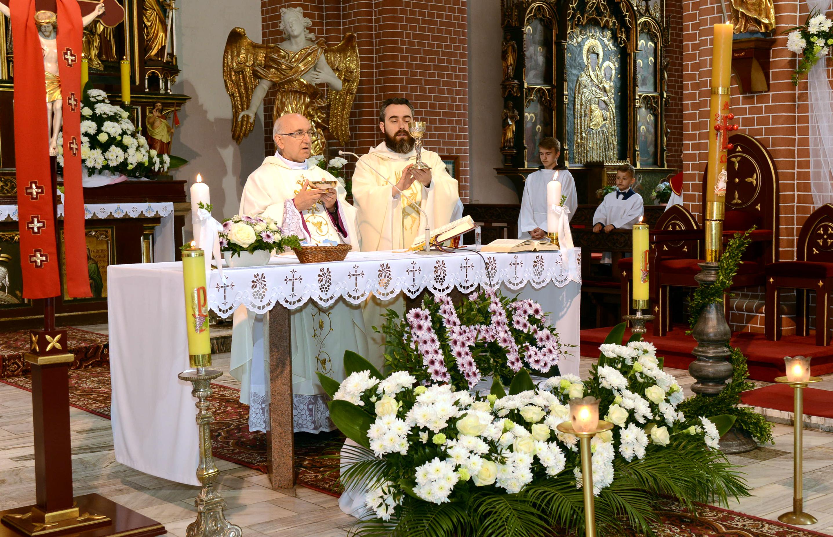 754ef57596 Pierwsza Komunia Święta w kościele pw. św. ap. Piotra i Pawła w Lidzbarku