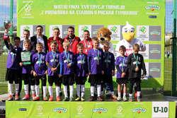 Chłopcy ze Szkoły Podstawowej nr 18 w Olsztynie zaliczyli swoją piłkarską przygodę życia. Przynajmniej na razie, bo i oni sami, i trener Beniamin Borkowski liczą, że to dopiero wstęp do sukcesów Fot. Archiwum organizatorów