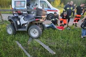 Dwóch nastolatków jazdę quadem zakończyło na płocie