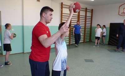 Piłka ręczna królowała w szkole Łęgajnach