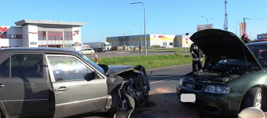Do wypadku doszło na prostym odcinku drogi krajowej nr 54 w Braniewie przy ulicy Królewieckiej
