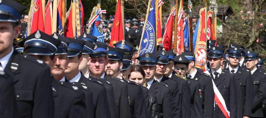 Dzień strażaka  Gietrzwałd - Uroczystości kościelne z okazji obchodów wojewódzkich dnia strażaka.