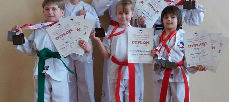 Żuromińscy taekwondziści wrócili z Mistrzostw Polski z medalami