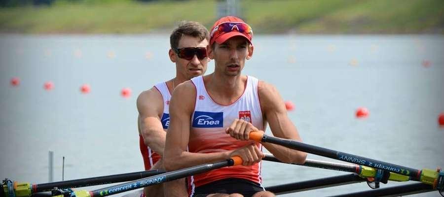 Miłosz Jankowski (na pierwszym planie) i Jerzy Kowalski popłyną w jutrzejszym finale A mistrzostw Europy