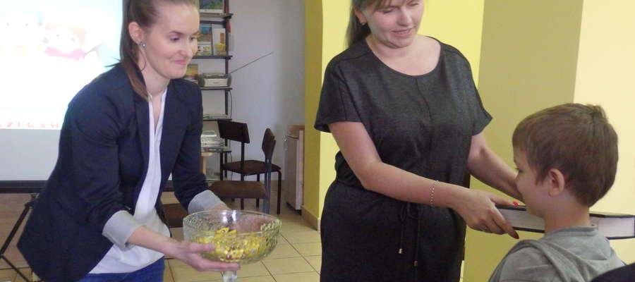 Pierwszaków pasowała dyrektor Małgorzata Kraśniewska