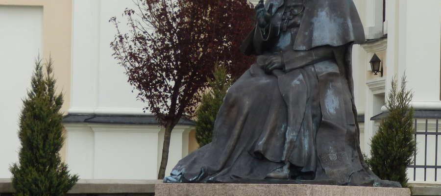 Pomnik Jana Pawła II stanął na rynku w 2011 r.