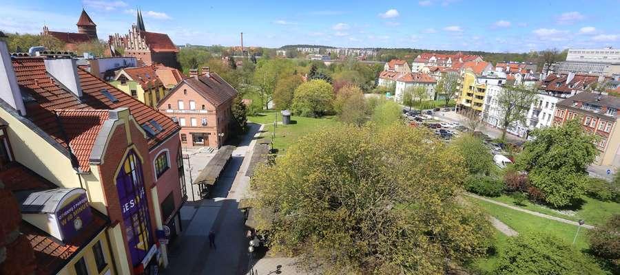 Plac przy Nowowiejskiego  Olsztyn-plac między Wysoka Brama a Nowowiejskiego
