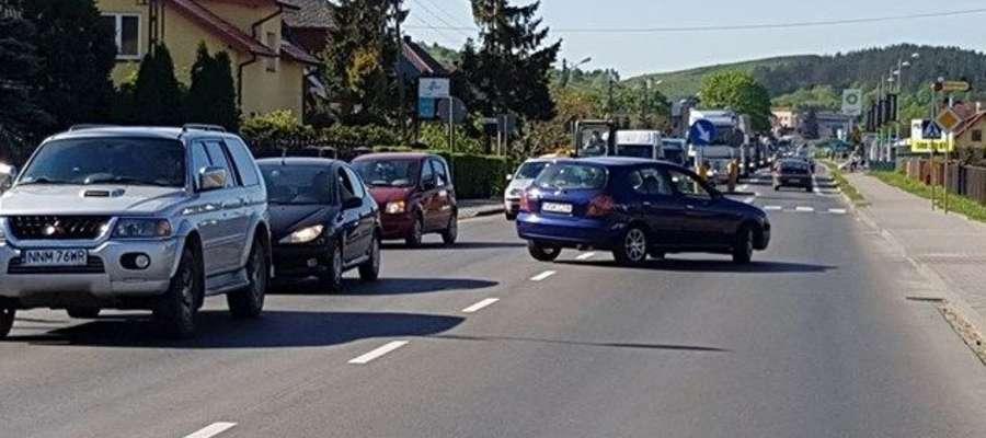 Ludzie zawracali, szukając alternatywnych dróg przejazdu