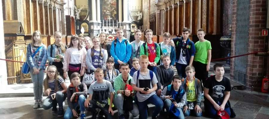 Pamiątkowe zdjęcia w katedrze