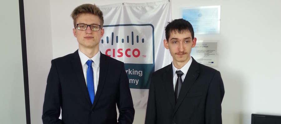 Uczniowie Budowlanki, finaliści konkursu informatycznego