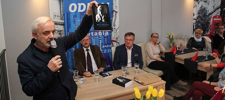 Spotkanie z Markiem Książkiem i Januszem Soroką w Giżycku