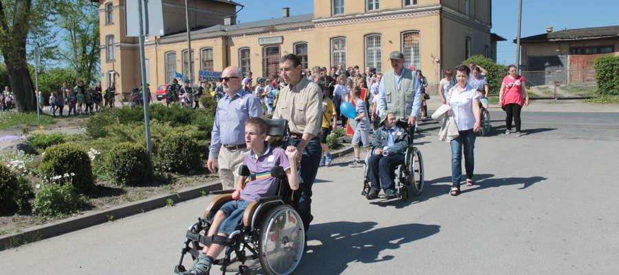 Do Sątop do Sątop - Samulewa przeszedł III Marsz Godności Osób Niepełnosprawnych Intelektualnie.