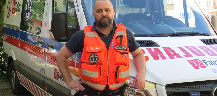 — Nasi pacjenci nie muszą się niczego obawiać — mówi Bartosz Stawski, ratownik medyczny z Kętrzyna.