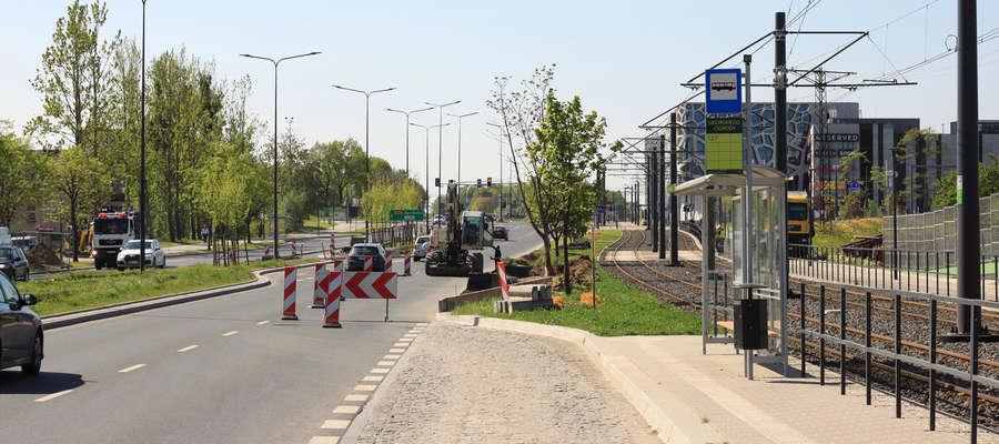 Nowe sklepy i ... kolejna sygnalizacja na Sikorskiego w Olsztynie