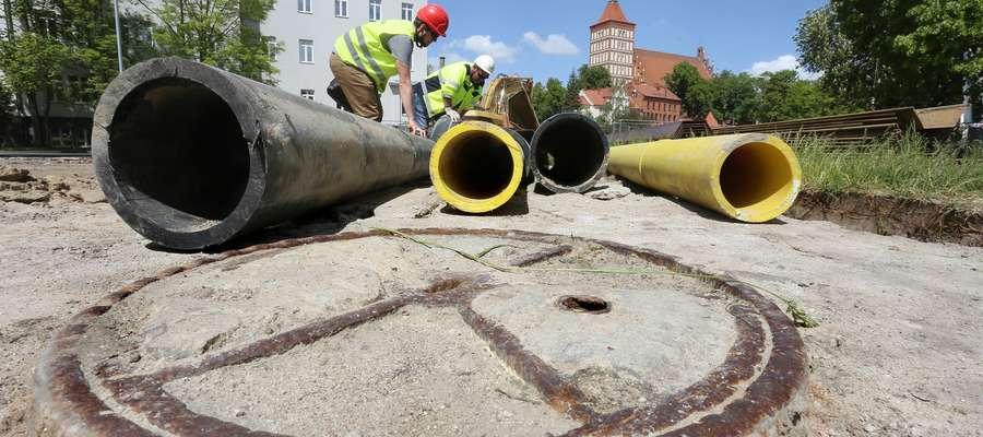 Czy zabytkowe znalezisko opóźni budowę mostu w centrum Olsztyna? [GALERIA i FILM]