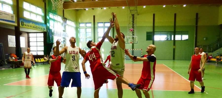 Koszykarze Mejdej Boyz Nidzica awansowali na 2 miejsce w tabeli