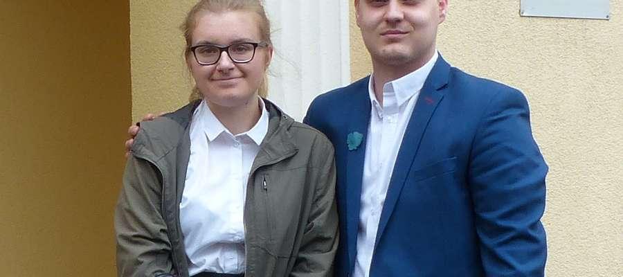 Weronika Guzenda i Dawid Leśniak z klasy o profilu humanistycznym