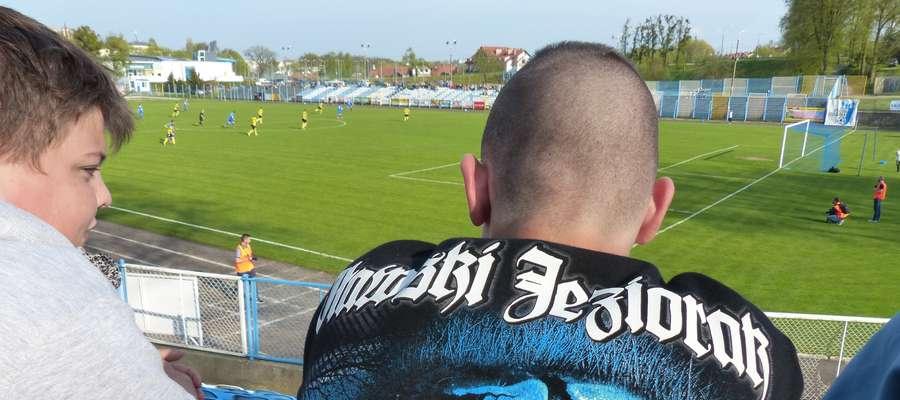 Kibice Jezioraka oglądali w sobotę kolejne zwycięstwo swojej drużyny