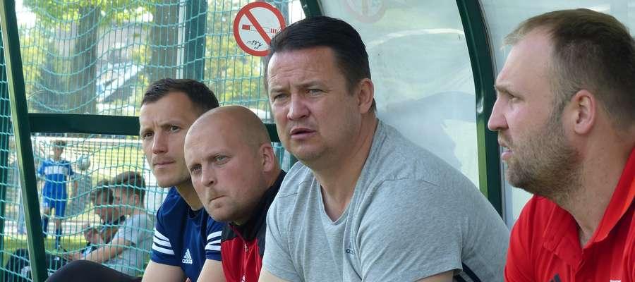 Piotr Mosór (drugi z prawej) jest obecnie trenerem kadry Mazowieckiego ZPN U-14