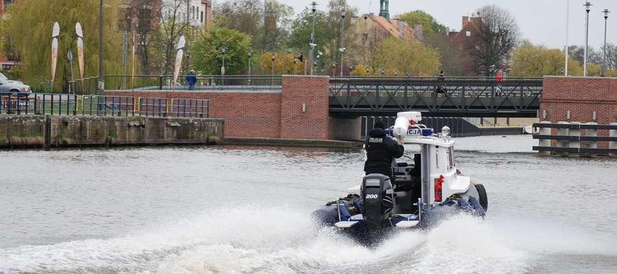 Wodne patrole policyjne