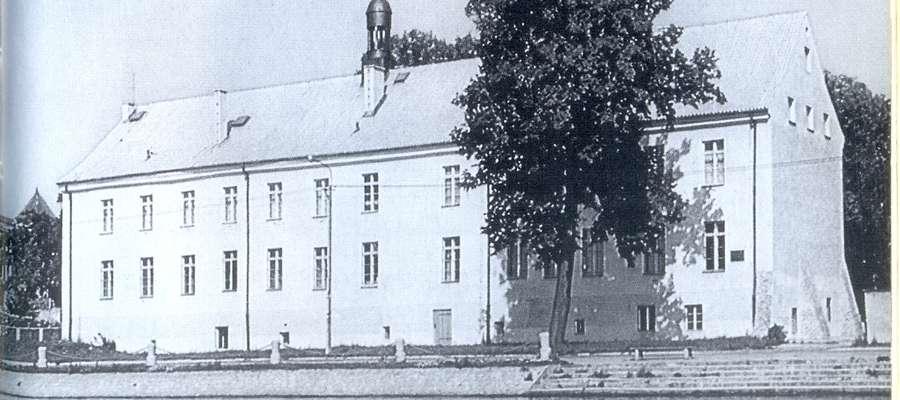 Budynek dawnego Gimnazjum Elbląskiego ok. 1937. Obecnie mieści się tu Muzeum Historyczno-Archeologiczne