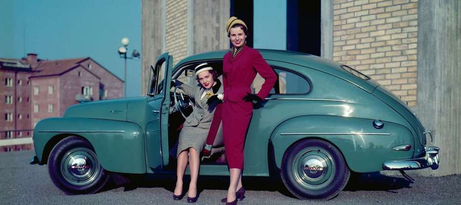 Model PV 444 nazywany był maluchem Volvo.  Jego premiera odbyła się w 1944 roku