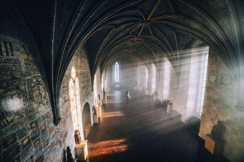Być może na zamku - fotografia - Radosław Niemczynowicz - full image