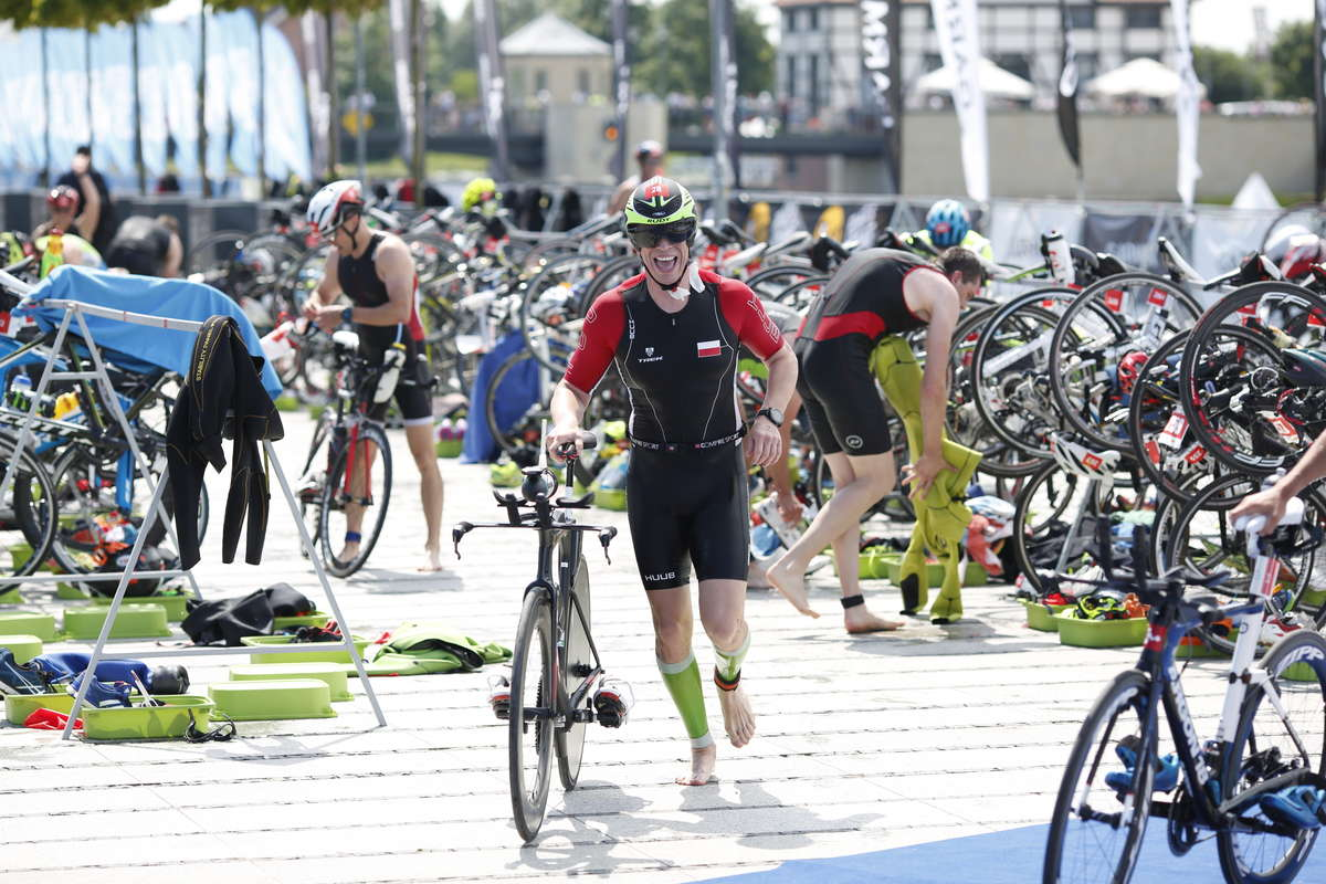 Oni wygrali Garmin Iron Triathlon w Elblągu. Ceremonia zakończenia bez fanfar i muzyki  [film, zdjęcia] - full image