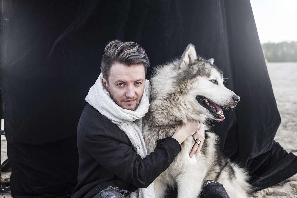 Grzech Piotrowski, muzyk - full image