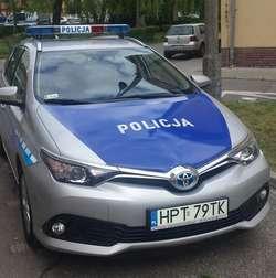 Olsztyńscy policjanci testują radiowozy z napędem hybrydowym