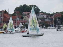 Coraz więcej jachtów odbija od kei w Mikołajkach