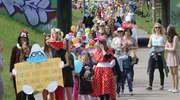 Uliczkami osiedla Pojezierze w Olsztynie przeszła barwna parada [ZDJĘCIA i FILM]