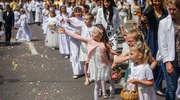 Procesja Bożego Ciała na ulicach Elbląga [zdjęcia]