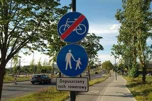 Co ze znakami dla rowerzystów przy Sikorskiego w Olsztynie?