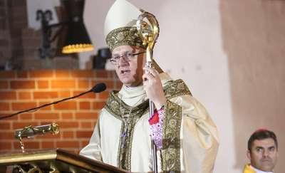 Arcybiskup odebrał z rąk papieża ważny atrybut władzy