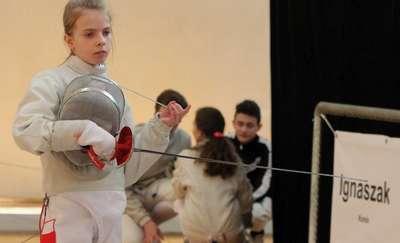 W Olsztynie młodzi szabliści walczą o medale